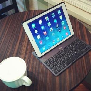 Belkin QODE Tastiera iPad2
